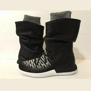 on sale 78bb2 e1c1a Nike · Nike Wmns Roshe Two Hi ...